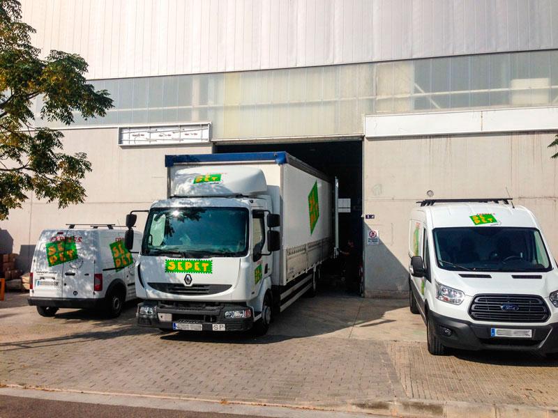 tres vehiculos tamaños